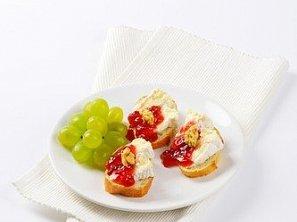 Jednoduchá česneková pomazánka na chlebíčky