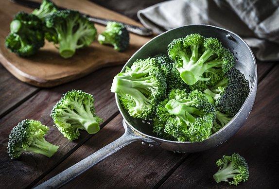 Zeleninový salát s brokolicí