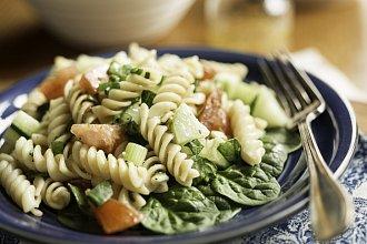 Recept na těstovinový salát – postup přípravy, suroviny a více variant receptu