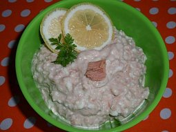 Tuňákový salát s cottage sýrem