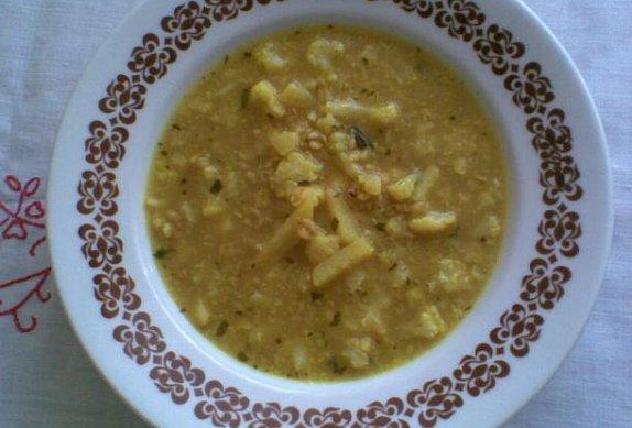 Bramborovo - květáková polévka s kurkumou