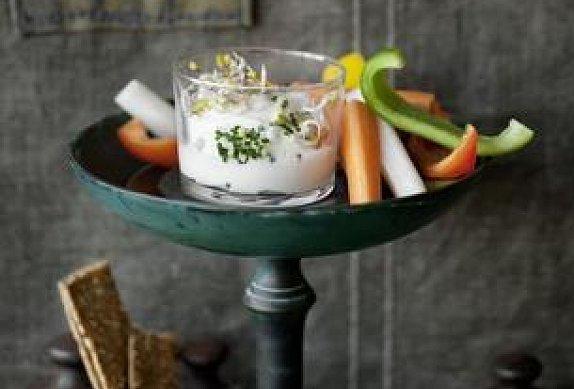 Zelenina s bylinkovým tvarohem