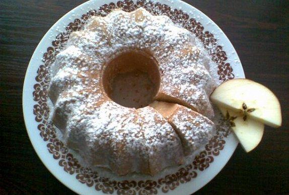 Jablečná bábovka s vaječným likérem photo-0