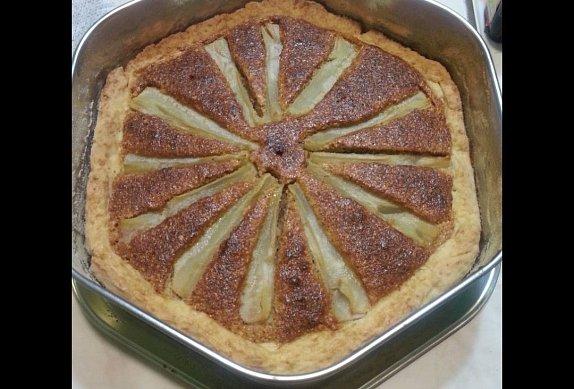 Mandlový koláč s hruškami photo-0