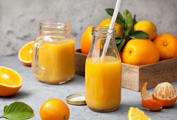 Klementinkové smoothie s matchou