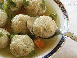 Vynikající kvasnicové knedlíčky do polévky od babičky