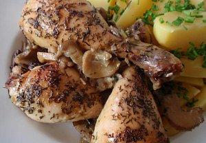 Bylinkové kuře (králík) pečené na hlívě