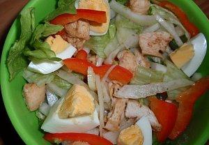 Fenyklový salát s kuřecím masem