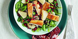 Salát s pomelem a uzenou rybou