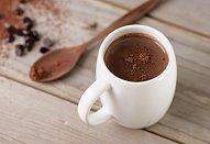 Horká čokoláda s lískovými oříšky
