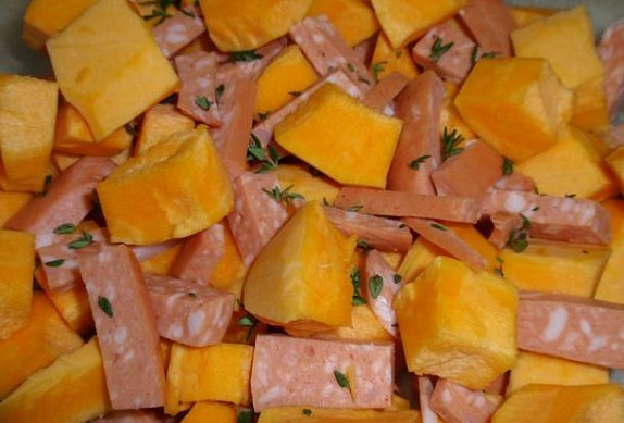 Bylinková dýně s balkánským sýrem