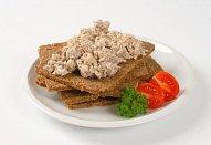Rybí salát z cejnů a bílé ryby