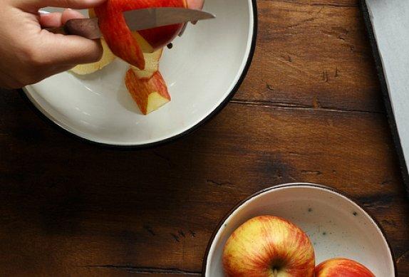 Krupicová kaše s jablky a mandlemi