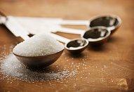 Nálev na sladkokyselé okurky, slimáky a papriky