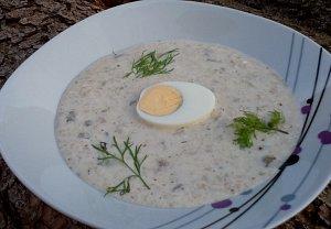 Chlebová polévka s houbami a smetanou