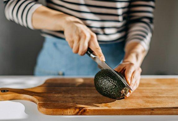Těstovinový salát s tuňákem a avokádovou zálivkou