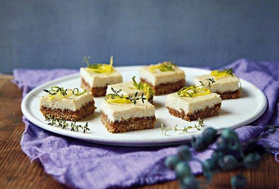 Vegan koláč s citronem a kešú photo-0