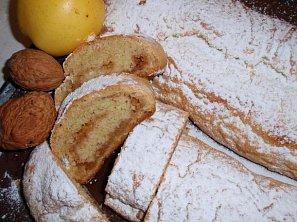 Domácí jablečný závin (štrůdl)