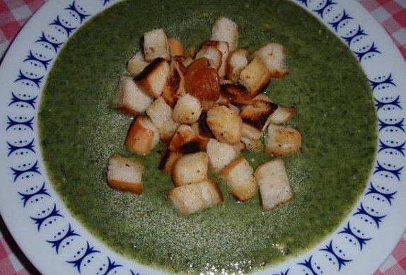 Jednoduchá špenátovo-nivová polévka