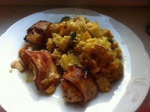 Zapečená kuřecí prsíčka se slaninou