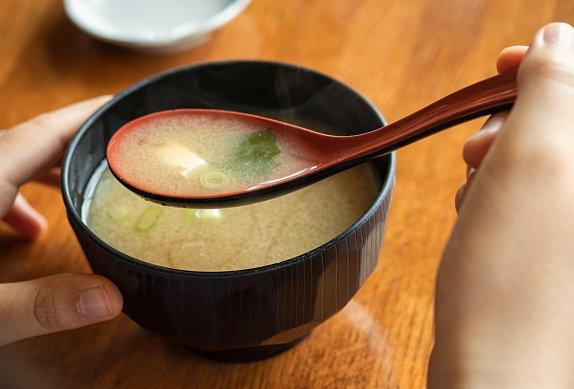 Miso celopolévka s vepřovou krkovičkou a zeleninou