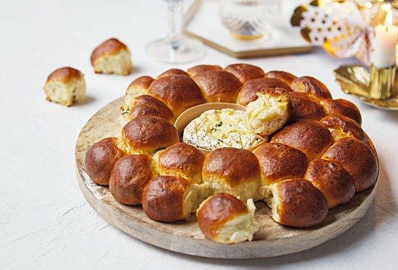 Monkey bread se sýrovým fondue photo-0