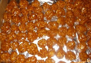 Karamelové kuličky z esíček
