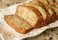 Chleby s koriandrovým pestem a kuřecím masem