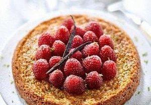 Limetkový koláč s ovocem