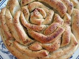 Chlebová růže s bylinkovým máslem