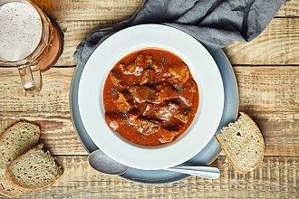 Recept na guláš – postup přípravy, suroviny a více variant receptu