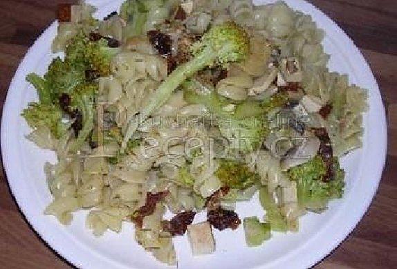 Těstoviny brokolice ham a mňam