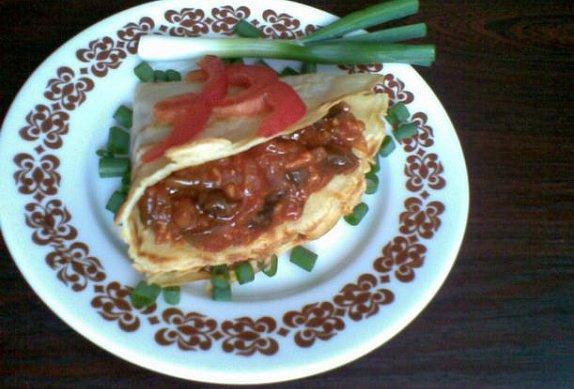 Houbový guláš na špeku s paprikou
