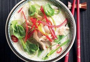 Thajská kuřecí polévka