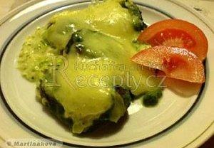 Brambory zapečené se špenátem a sýrem