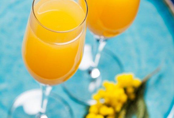 Mimosa koktejl