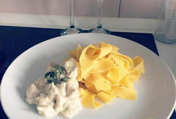 Sýrová omáčka s těstovinami Tagliatelle
