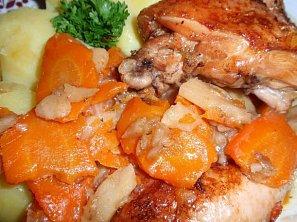 Kuře na čerstvém zázvoru s kořenovou zeleninou