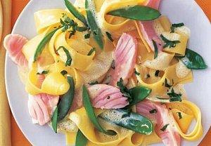 Těstoviny s lososem na citronu