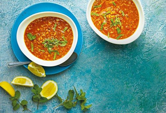 Polévka z červené čočky photo-0
