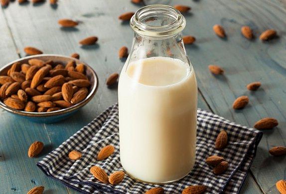 Chia pudink s mandlovým mlékem