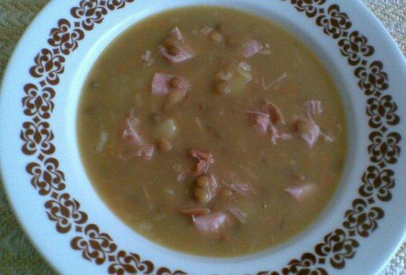 Čočková polévka s bůčkem