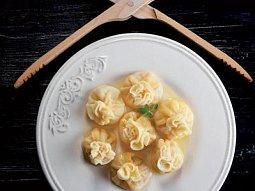 Nudlové taštičky s hruškovo-sýrovou náplní