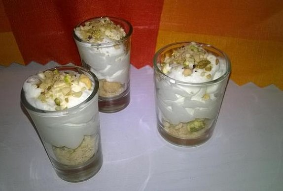 Limetková pěna s ořechy