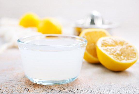 Makové kytky s citronem