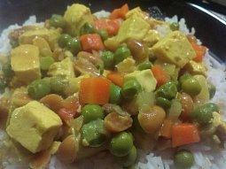 Kari tofu s arašídy
