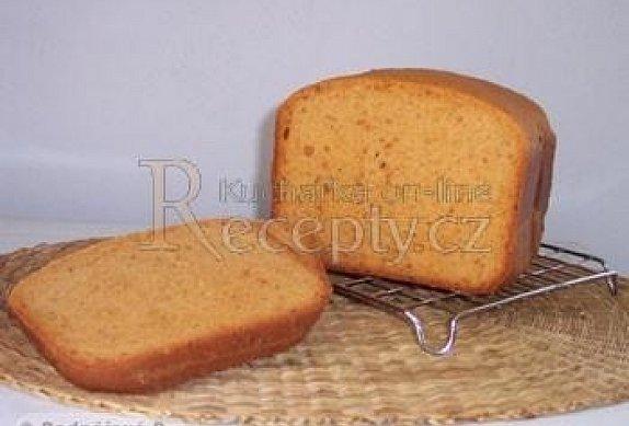 Chléb se sušenými rajčaty a parmezánem