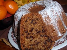 Bábovka (buchta, dort) z červené řepy s čokoládou - vláčná