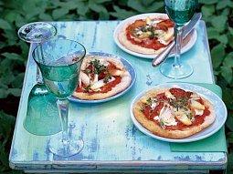 Pizza s chřestem a parmskou šunkou