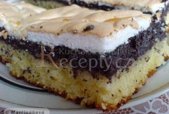 Makový koláč se sněhem